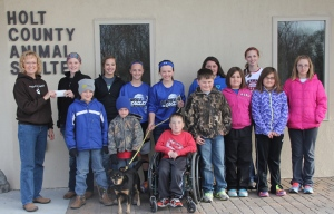 """Members of the """"Up & At It"""" 4-H Club"""